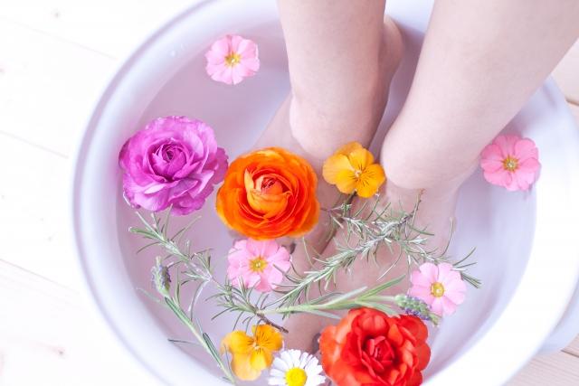嬉しい効果がいっぱい!自宅で簡単にできる足湯のやり方