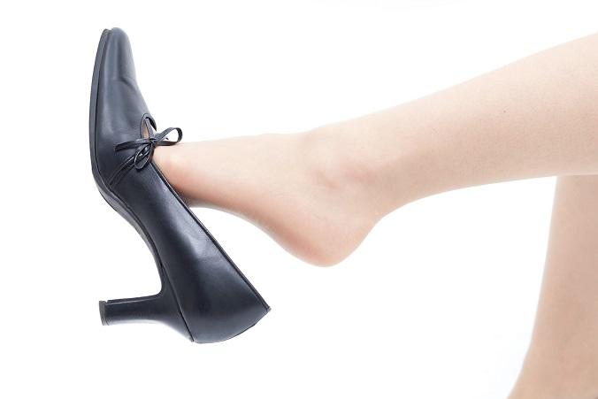 女性にも多い足がくさい人!その嫌な臭いを解消する方法