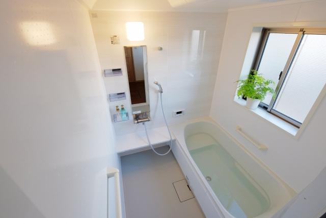 お風呂でのリンパマッサージで足のむくみを解消!