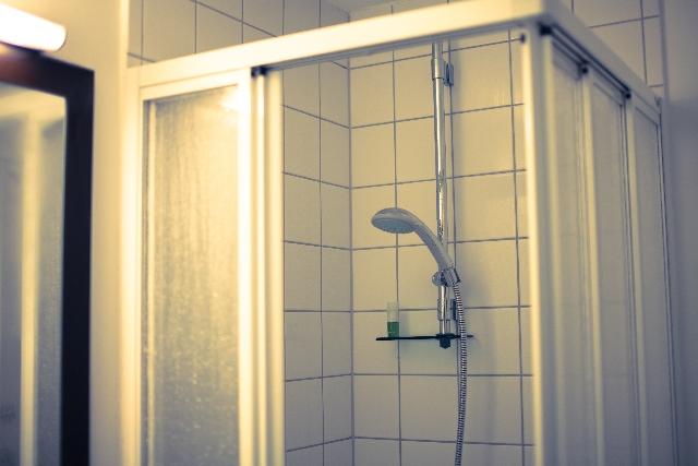 足のむくみや冷えにも効く!ウワサの温冷交代浴のやり方