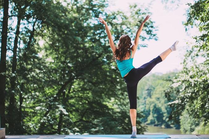 脚痩せに効果的なY字バランスで美脚を手に入れる方法