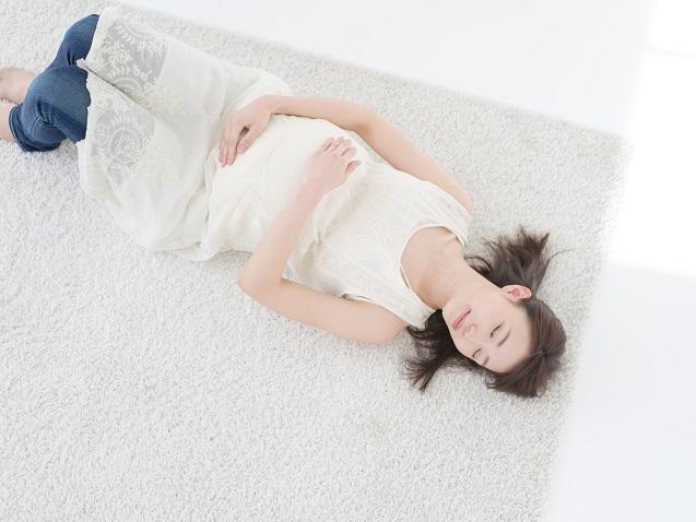 妊婦さんの大半が経験する足のむくみを解消する方法
